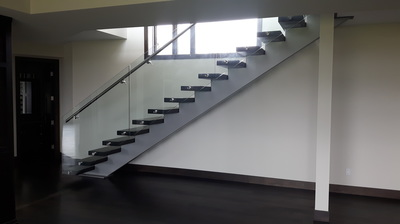 single stringer stair, glass guards