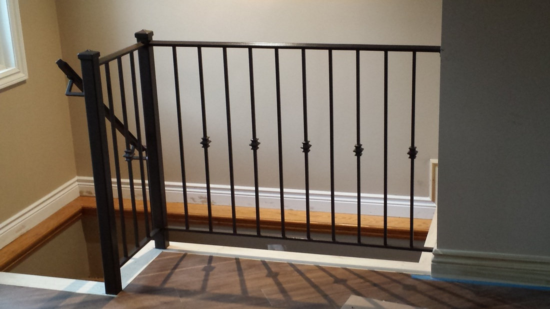 Great Interior Railing With Newel Post, Decorative Handrail, A Decorative Collar  Every Other Picket